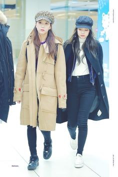 Your source of news on YG's current biggest girl group, BLACKPINK! Please do not edit or remove the. Fashion Idol, Blackpink Fashion, Korean Fashion, Winter Fashion, Womens Fashion, Kim Jennie, Queens, Outfit Invierno, Kim Jisoo