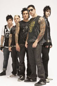 Avenged Sevenfold / Matthew Sanders (M. Shadows), Brian Haner Jr. (Synyster Gates), James Sullivan (The Rev), Jonathan Seward (Johnny Christ), Zachary Baker (Zacky Vengeance)