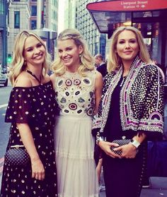 Ladies Of London, Lady, Blouse, Tops, Women, Fashion, Moda, Fashion Styles, Blouses
