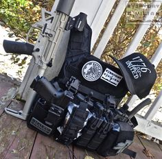 """everydaycivilian: """"Current plate carrier set-up: Shellback Tactical Banshee Plate Carrier Curved Armor Plates Haley Strategic Environments Winkler Knives Combat Knife Glock 19 Gen 4 Magpul. Plate Carrier Setup, Plate Carrier Vest, Combat Armor, Combat Gear, Police Duty Belt, Tactical Helmet, Military Gear, Airsoft Guns, Tactical Gear"""