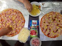 DIY kiddie pizza buffet The Phenomenal Mama Quinoa Pizza Crust, Food Illustrations, Hawaiian Pizza, Buffet, Gluten Free, Sweet, Recipes, Diy, Glutenfree