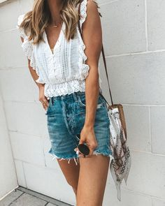 Perfect Spring Outfits to Wear Now Vol. Spring Outfits, Perfect Spring Outfits to Wear Now Vol. Spring Summer Fashion, Spring Outfits, Trendy Outfits, Fashion Outfits, Fashion Tips, Womens Fashion, Fashion Ideas, Woman Outfits, Fashion 2018