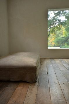 FLOOR – i would be hesitant to place furniture in this room since i do not want to cover up this gorgeous wood floor.