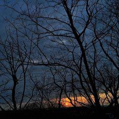 ななめななめのどんより雲  #cloud #sky #sunset #iphoneonly #iphonegraphy #iphoneography #iosphotography #miniphotowalk #photowalk #photowalking #fbp