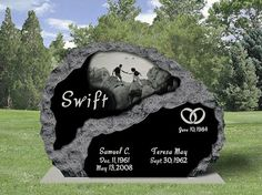 Boulder Style Upright Monument with Diamond Etching Unusual Headstones, Cemetery Headstones, Cemetery Art, Tombstone Designs, Gardens Of Stone, Park Signage, Cemetery Monuments, Cemetery Decorations, Funeral Planning