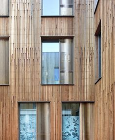 Russwood's Architect Select® Western Red Cedar Cladding is the ideal choice for a flawless look combined with excellent durability & dimensional stability. House Cladding, Timber Cladding, Timber Flooring, House Extension Design, Extension Designs, House Design, Western Red Cedar Cladding, House Extensions, Arquitetura