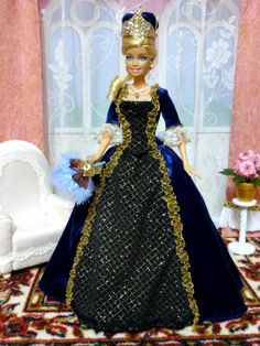 blue queen's formal...scroll down, click strih for pattern...click galerie for many patterns