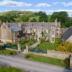 English Manor Houses, English House, Beautiful Buildings, Beautiful Places, French Mansion, Edwardian House, Dream Home Design, Historic Homes, Kids House
