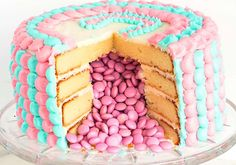 Blue or pink, what do you think? 45 incredible DIY gender reveal party ideas that you can make quite easily.and on a budget too! Gender Party, Baby Gender, Cakes For Boys, Reveal Parties, Baby Shower Cakes, Gender Reveal, Vanilla Cake, Cake Recipes, Like4like