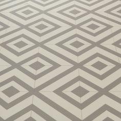 Mardi Gras 592 Sagres Grey Patterned Vinyl Flooring - Carpetright