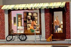 Alison Bechdel's Blog - Dykes Diorama - November 19, 2014 19:26