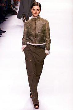Céline Fall 2002 Ready-to-Wear Collection Photos - Vogue