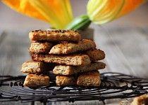 Slané cuketové tyčinky s česnekem Almond, Cereal, Breakfast, Food, Breakfast Cafe, Essen, Almonds, Yemek, Meals