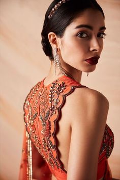 This new label has the freshest blouse designs you& ever see . - This new label has the freshest blouse designs you& ever see! Fancy Blouse Designs, Sari Blouse Designs, Blouse Patterns, Blouse Styles, Saree Styles, Cut Work Blouse, Saree Jackets, Lehenga Blouse, Indian Designer Outfits