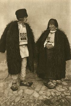 Popular Folk Embroidery Snapshots of Dress in Old Romania - One Who Dresses Folk Embroidery, Learn Embroidery, Floral Embroidery, Embroidery Designs, Folk Costume, Costumes, Gorilla Suit, Wooly Bully, Winter Hats