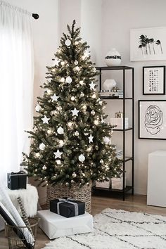 White Christmas tree decorations and ornaments idea