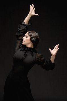 Eva Yerbabuena, coreografa y bailaora granadina del panorama actual. Su sensualidad y fuerza no tiene límites!