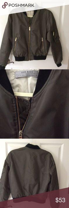 ecdc95e5eb67c Zara Quilted Bomber Jacket Size M Zara dark green bomber jacket, 2 zip  pockets., zip pocket on sleeve, black elastic waistband, collar and cuffs  EUC Zara ...