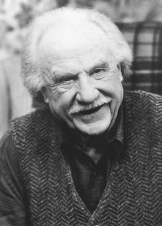Jack Warden  (September 18, 1920 – July 19, 2006) was an American character actor of film and television... 12 Angry Men, All the President's Men, N.Y.P.D. ...