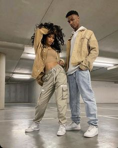 Matching Couple Outfits, Twin Outfits, Matching Couples, Stylish Mens Outfits, Cute Casual Outfits, Mode Streetwear, Streetwear Fashion, Couple Look, Cute Black Couples