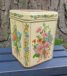 Floral Tin by TheBarnAntiques on Etsy, $5.00