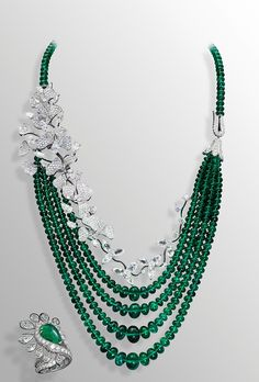 David Morris one-of-a-kind Wildflower necklace, with almost 300ct of faceted emeralds from the Maharajas and 50ct of white diamonds set in delicate flowers