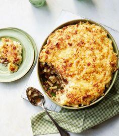 Turkish macaroni and cheese (with lamb and halloumi)