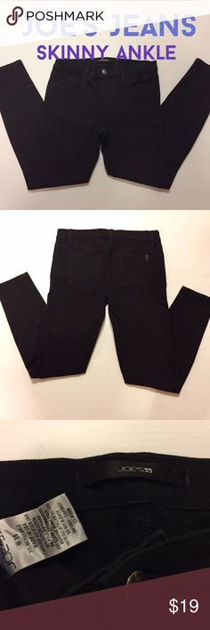 """JOE'S JEANS Skinny Ankle W28 Black stretchy Genuine Joe's Jeans, style is Skinny Ankle in pure deep black. Stretchy 93% cotton, 8% polyurethane, a durable wrinkle free fabric with lots of flattering stretch. 28.5"""" inseam. 4"""" zipper. Cut 937, CL# 209. Great wardrobe staple!  NOTE: small snag as shown in photo on upper part of right leg. Could be pulled thru to underside of fabric with a pin, but I did not want it to appear that I was hiding it, so I let it be. 😊  (#225) Joe's Jeans Jeans…"""