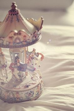 The Merry Go Round Mechanical Toy/Musical Box for Sienna. Princess Aesthetic, Pink Aesthetic, Retro, My Sun And Stars, Merry Go Round, Carousel Horses, Aesthetic Pictures, Girly Things, Snow Globes