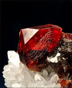 Sphalerite with Quartz / Rucheng Pb-Zn Mine, Hunan Prov., China / Mineral Friends <3