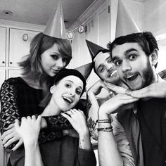 Taylor with Hayley Williams, Alexander Deleon and Zedd last night! He should be as famous as them by now!!