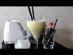 Smoothie yogurt papaia e latte di mandorla