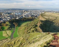 Fun and free attractions to fill your days in Edinburgh. Free and family friendly. City breaks can be expensive, but these activities are great for all the family, all year round.