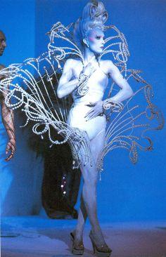 kabuki starshine Thierry Mugler Fall/Winter 1995