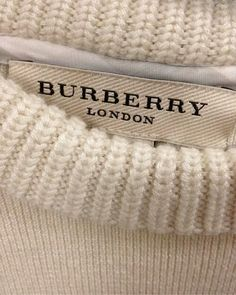 Burberry, pink, and london image Cream Aesthetic, Classy Aesthetic, Brown Aesthetic, Aesthetic Colors, Aesthetic Pictures, Aesthetic Grunge, Aesthetic Vintage, Lavender Aesthetic, Aesthetic Style