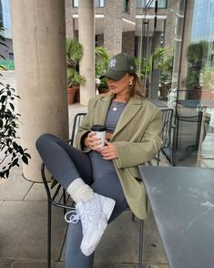 Follow our Pinterest Zaza_muse for more similar pictures :) Style Inspiration. Oversized jacket with with tights Oversized Jacket, Sweatshirt Outfit, Winter Wardrobe, Athleisure, Tights, Suit Jacket, Style Inspiration, Sweatshirts, My Style