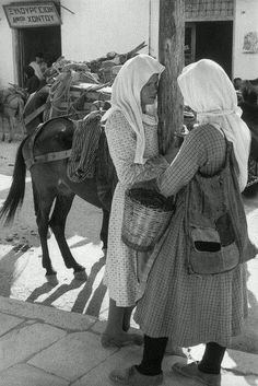 Thessaly, Karditsa, Greece 1961 by Henri Cartier-Bresson Henri Matisse, Henri Cartier-bresson, Magnum Photos, Old Photos, Vintage Photos, Old Pictures, Vintage Photography, Street Photography, Henri Cartier Bresson Photos