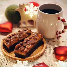 Starbucks Starbucks Coffee, Coffee Mugs, Waffles, Breakfast, Food, Morning Coffee, Starbox Coffee, Coffee Cups, Essen