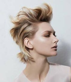 A Different Way To Style Short Hair #hairstyles, #haircuts, #fashion, #women, https://apps.facebook.com/yangutu