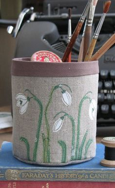 This is a really useful fabric pot made from Russian linen and cottons and brought to life using free hand machine embroidery. Machine Embroidery Quilts, Freehand Machine Embroidery, Free Motion Embroidery, Embroidery Art, Quilting, Fabric Boxes, Fabric Scraps, Hand Applique, Applique Fabric