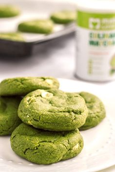 Easy, soft and chewy white chocolate matcha cookies. Bursting with pure matcha flavor, vanilla and white chocolate. Soft, chewy and addictive! So much better than a matcha latte! Healthy Chocolate Chip Cookies, White Chocolate Cookies, Chocolate Chips, Baking Recipes, Cookie Recipes, Dessert Recipes, Green Tea Recipes, Sweet Recipes, Green Tea Cookies