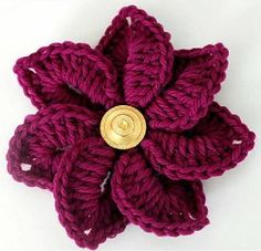 This crochet flower pattern uses the crocodile stitch.