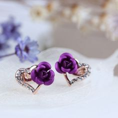 Wow! Shining Rose Heart Rhinestone Studs Earrings only $15.9 from Atwish.com! I like it so much!!