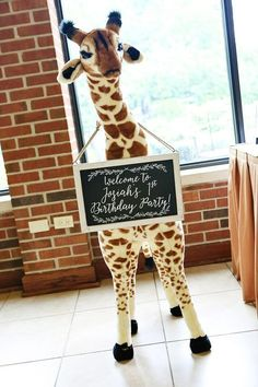 Giraffe birthday - Whimsical Gold Safari First Birthday Party Giraffe Birthday Parties, Jungle Theme Parties, Jungle Theme Birthday, Safari Theme Party, Wild One Birthday Party, Safari Birthday Party, Animal Birthday, 1st Birthday Girls, First Birthday Parties