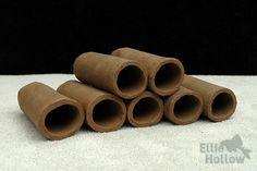 Ceramic pleco caves for ancistrus or Lnumbers / legholen voor lnummers Aquarium Fish, Caves, Cinnamon Sticks, Wooden Toys, Spices, Ceramics, Dark Brown, Wooden Toy Plans, Ceramica