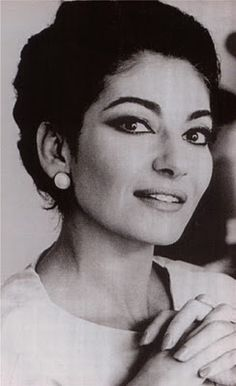 Maria Callas - Opera begins long before the curtain goes up and ends long after it has come down. It starts in my imagination, it becomes my life, and it stays part of my life long after I've left the opera house. Maria Callas, Robert Mapplethorpe, Foto Face, Annie Leibovitz, Opera Singers, Iconic Women, Famous Faces, Classical Music, Ikon