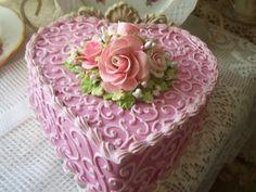 (Mallory) Fake Cake