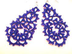 Boucles d'oreille bleu en dentelle de frivolite , Boucles d'oreille dentelle bleu , Boucles d'oreille faite main : Boucles d'oreille par carmentatting