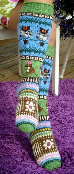 Ravelry: Socks of Forest of Peace pattern by Sinikka Nissi Knitted Christmas Stockings, Christmas Knitting, Crochet Christmas, Chunky Crochet, Crochet Slippers, Knitting Machine Patterns, Crochet Purse Patterns, Popular Crochet, Crochet For Boys