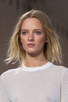 The Top Hair and Makeup Trends from New York Fashion Week - Spring 2015 Beauty Trends - Elle Makeup Trends 2014, Beauty Trends, Makeup Tips, Beauty Makeup, Top Beauty, Makeup Style, Mode Hippie, Skin Makeup, Spring 2015